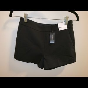 Express Mid Rise Shorts size 4 NEW WITH TAGS